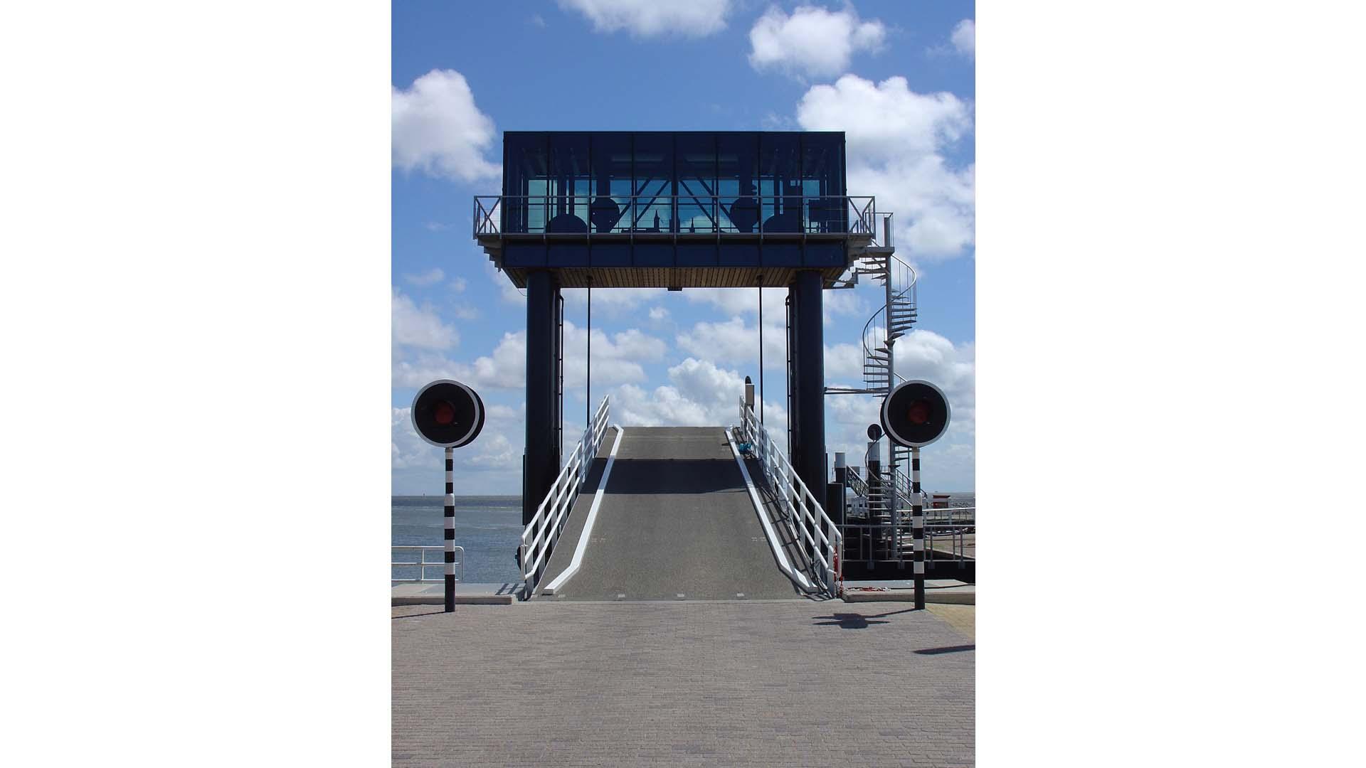 0041_Aanleginrichting autobrug Vlieland_02